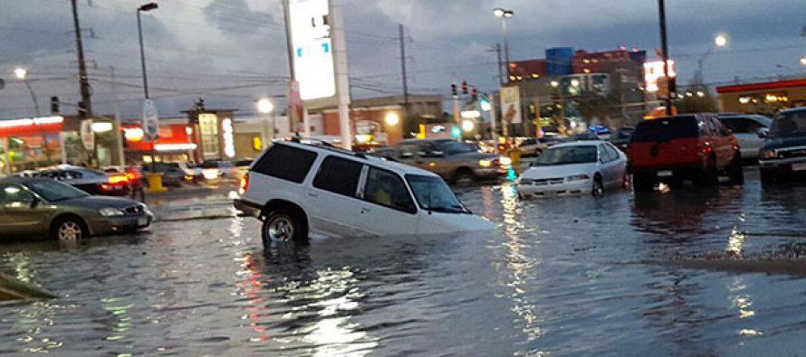 Granizada deja dos muertos e inundaciones en Ciudad Juárez