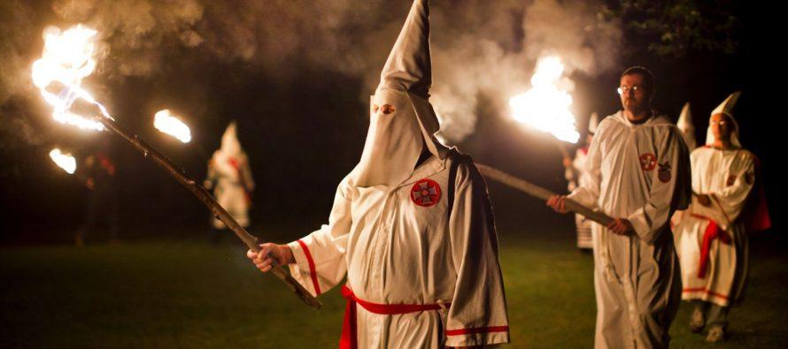 Organización del Ku Klux Klan convoca a desfile por triunfo de Trump