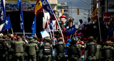 """Enviado del Vaticano reconoce que la situación en Venezuela está """"muy difícil"""""""