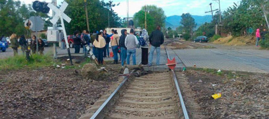 Liberan a seis maestros de la CNTE detenidos por bloquear vías de tren en Pátzcuaro