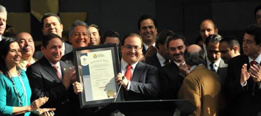 Aparece Javier Duarte… en su cuenta de Facebook y causa polémica en redes