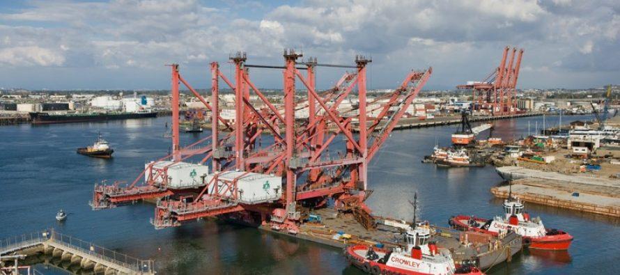 Senadores aprueban ley para que Marina asuma control en puertos del país