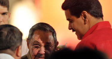 Reaparece en público Raúl Castro y llama a defender a Venezuela