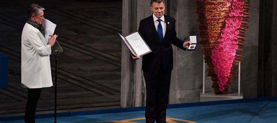 La guerra en Colombia ha terminado, dice Juan Manuel Santos al recibir el Nobel de la Paz