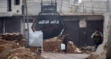 Hallan en Alepo decenas de cuerpos de sirios que fueron torturados