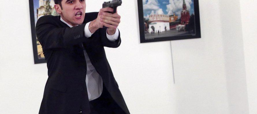 Identifican al atacante de embajador ruso en Turquía
