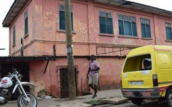 Falsa embajada de EU funcionó diez años en Ghana; la desmantelan