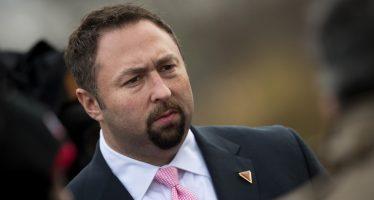 Renuncia Jason Miller al equipo de Trump; iba a ser director de comunicaciones