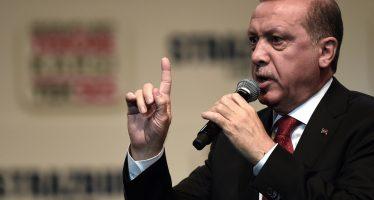 Erdogan dice tener pruebas de que coalición que encabeza EU apoya al EI