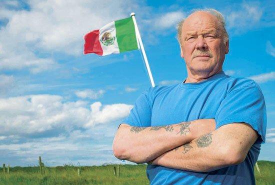 Residente de Irlanda contra el muro de Trump