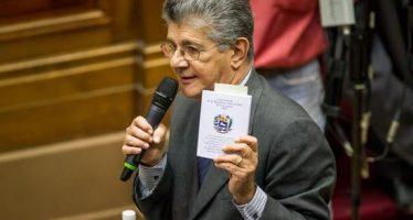 Asamblea venezolana declara abandono de cargo de Maduro; pide elecciones