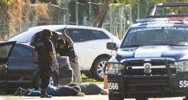 Comando armado ataca Vice Fiscalía y unidad policiaca de Cancún; saldo de 4 muertos