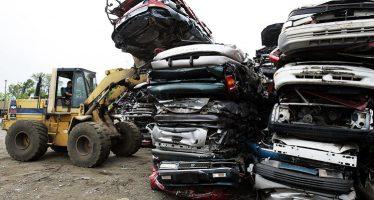 """Un """"mal despertar"""" prevé canciller alemán para fabricantes de autos en EU"""