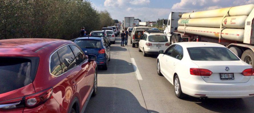 Protestas por gasolinazo en varias ciudades del país; bloqueo de la México-Querétaro