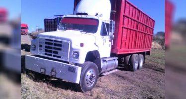 En Tlaxcala aseguran camiones de carga y camionetas para llevar gasolina robada