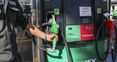Juez federal desecha 50 amparos contra precios del gasolinazo