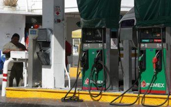 Hacienda estudia posponer el gasolinazo programado para febrero