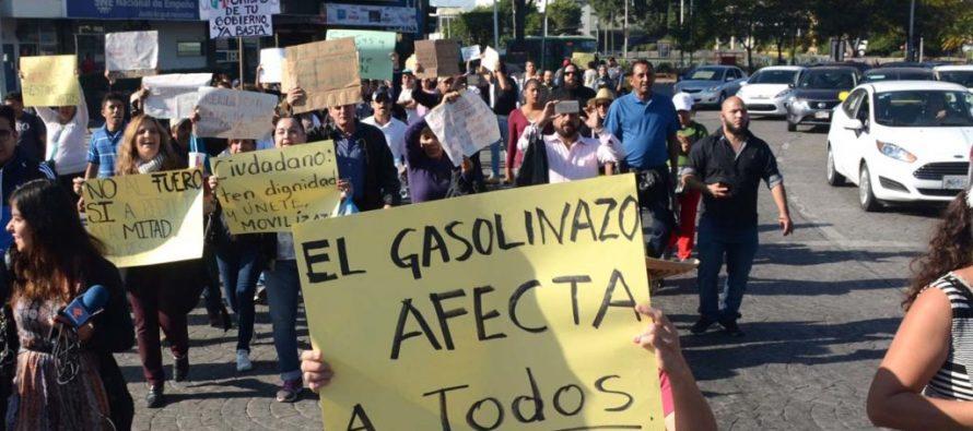 Diputados del PRD presentarán iniciativa para frenar el alza a precios de gasolina