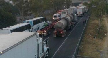 Nuevamente bloquean la autopista México-Querétaro en rechazo al gasolinazo