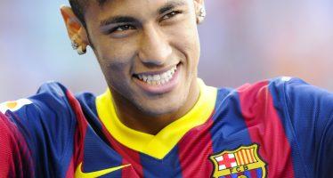 Serán enjuiciados Neymar da Silva y el Barcelona por estafa y corrupción