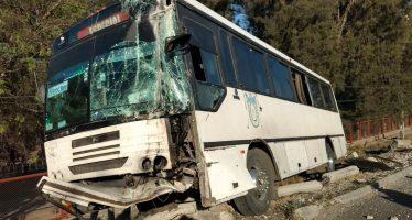 Autobús choca en carretera a Chapala causando 19 lesionados