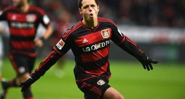 Triunfa el Bayer Leverkusen con doble anotación del 'Chicharito'