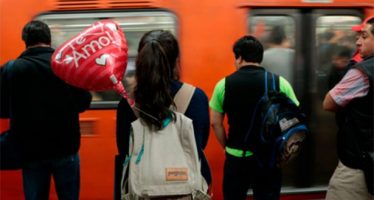 Usuarios no podrán ingresar al Metro con globos metálicos este 14 de febrero