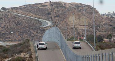 EU planea adjudicar a mediados de abril contratos para hacer el muro