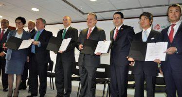 Pemex y otras dos empresas firman contrato para explorar aguas profundas