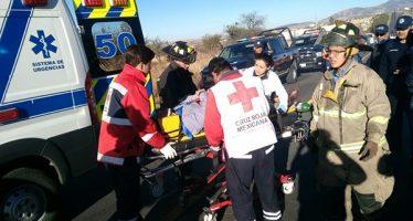 Secretario de Turismo de Guanajuato choca en carretera; son cinco lesionados