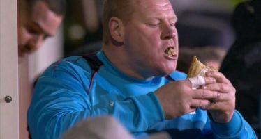 Investigan al portero del Sutton por comerse un bocadillo, materia de apuestas