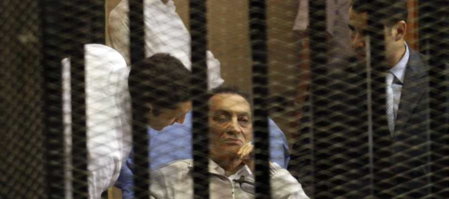 Liberan al ex presidente egipcio Hosni Mubarak, luego de seis años de prisión