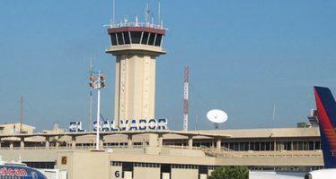 Detienen en aeropuerto de El Salvador a mexicano con 139,900 dólares en efectivo