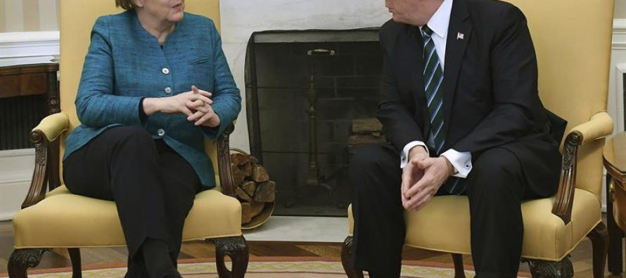 Se reúnen en Washington la canciller alemana Merkel y Donald Trump