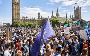 Miles de británicos pro europeos protestan en Londres contra el 'brexit'
