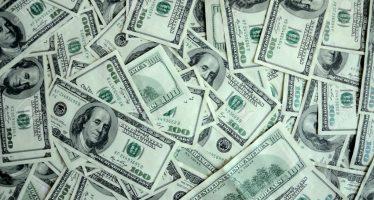 Dólar baja siete centavos y se vende en 19.91 pesos en bancos