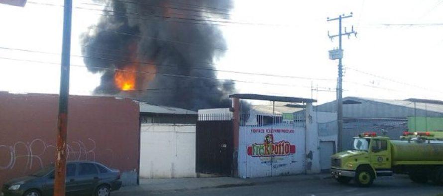 Se incendia bodega de Central de Abastos en Morelia; no hay víctimas