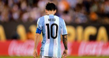 """Un """"disparate"""", la sanción de la FIFA a Messi: Menotti"""