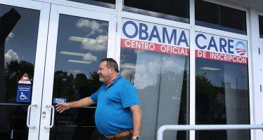 Arremete Trump contra republicanos por fracaso de su reforma de Salud