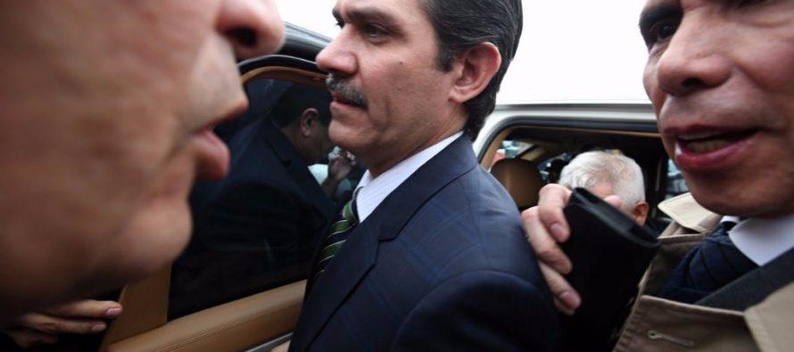 Dan amparo a ex gobernador Padrés Elías, solo para que sea otra autoridad la que investigue