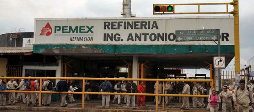 Explosión causa muerte de trabajadora de Pemex; otros siete resultan lesionados