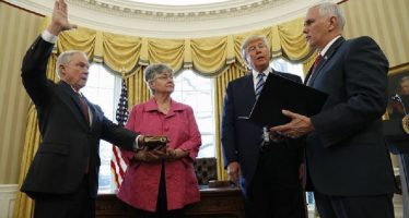 Fiscal Sessions, en serios problemas por escándalo 'Rusiagate'; lo acusan de perjurio