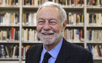El escritor español Eduardo Mendoza recibió el Premio Cervantes 2016