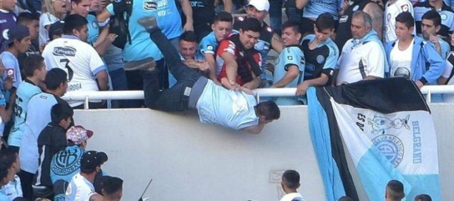 Aficionado de Belgrano muere tras ser arrojado desde la tribuna, en Argentina