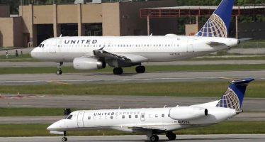 Ahora es una pareja de novios la que tuvo problemas con aerolínea United