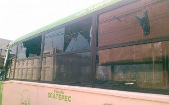 Mafiosos matan a chofer y hieren a otro en base de microbuses de Ecatepec