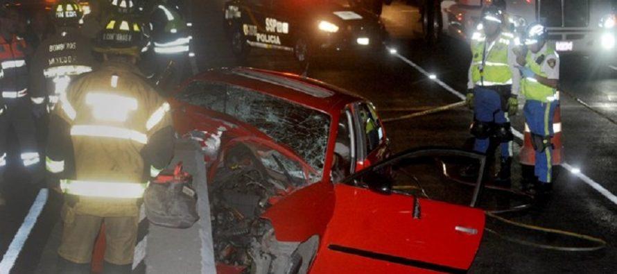 Choque de auto Seat Ibiza en calzada de Tlalpan mata a sus tres ocupantes