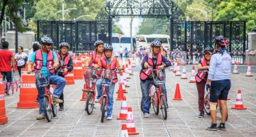 Gobierno de la CDMX regala placas y chalecos reflejantes en Día Mundial de la Bicicleta