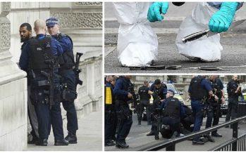 Policía detiene a hombre con cuchillos cerca del Parlamento inglés
