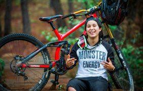 Lorena Dromundo, la fuerza de voluntad en el ciclismo de descenso
